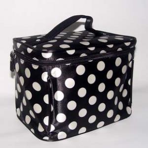 Buy cheap 2011Black y bolso cosmético blanco product