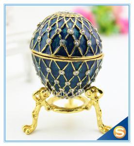 Cartones de huevos decorativos del metal hecho a mano del esmalte con el diamante