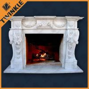 Main découpant le mantel de cheminée de Marble White pour d'intérieur, libre