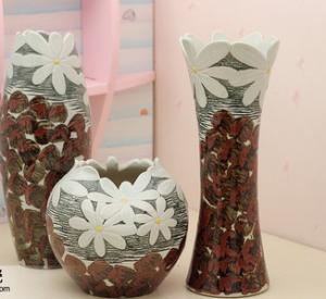 Chrysanthème fait main d'ameublement de vase en trois pièces en céramique à articles