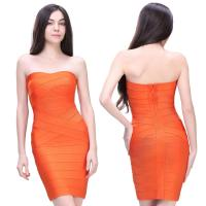 La calidad garantizó el vestido de noche anaranjado atractivo de las señoras elegantes