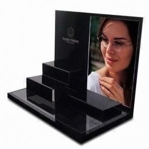 Buy cheap 3D切り分けるロゴのアクリルのサングラスの陳列台 product