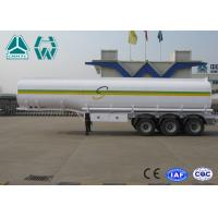 Sinotruk Howo Carbon Steel Tri - axle crude oil trailers One Compartment Emergency Valve
