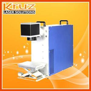 A máquina da marcação do laser da fibra, 20W, aplicou-se a todos os tipos dos materiais, tais como a madeira, o metal, mercadorias sannitary e plástico.
