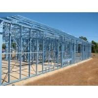 Hangars adaptés aux besoins du client d'acier de structure de l'industrie avec des grues de pont à l'intérieur