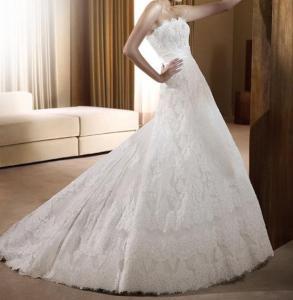 花嫁の服のコレクション2011年