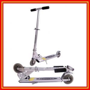 Foldable 蹴りのスクーター アルミニウム PU の点滅の車輪