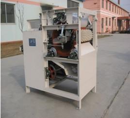 China Wet type peanut skin peeling  machine on sale
