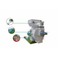 Buy cheap Small 1-1.5t/H 420 Wood Sawdust Pellet Machine In Making Biomass product