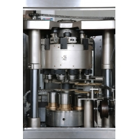 Buy cheap 316 Stainless Steel 48000bph Beverage Can Filling Machine product