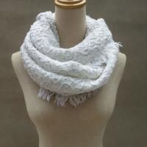 China Chunky Woven Winter Knitted Scarf Custom Logo Acrylic Warm Crochet Designs on sale
