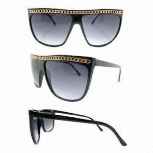 Les lunettes de soleil à la mode, de diverses couleurs sont disponibles, fait du plastique, CE certifié