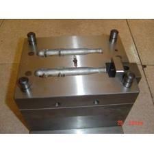 Buy cheap カスタマイズされたOEM 618H 600*450*500mmの熱くか冷たいランナーの精密プラスチック型のプラスチック型 product