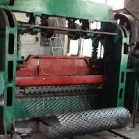 China Expanded Metal Sheet Machine (SHL-EPM001) on sale
