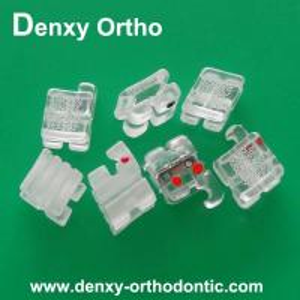 Buy cheap Denxy歯科矯正学歯科陶磁器ブラケットの質の歯科中国プロダクト オルト支柱の歯科支柱 product