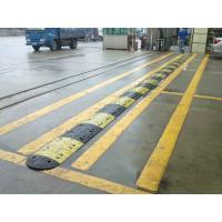 China High Load Capacity Traffic Safety Rubber Road Hump Car Speed Bump on sale