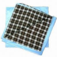 China Washable Bed Pads, Made of Plaid Flannel Facing, Good Absorbent Soaker and PVC Backing on sale