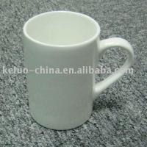 Tasse en céramique blanche de 10 onces