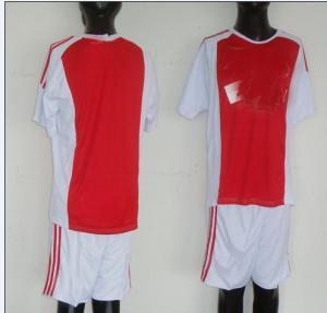uniforme del fútbol