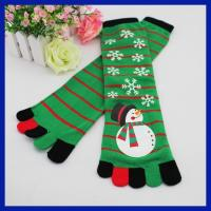 Buy cheap Hautes chaussettes de tube de Noël de bonhomme de neige de la conception cinq de genou fait sur commande en gros d'orteils product
