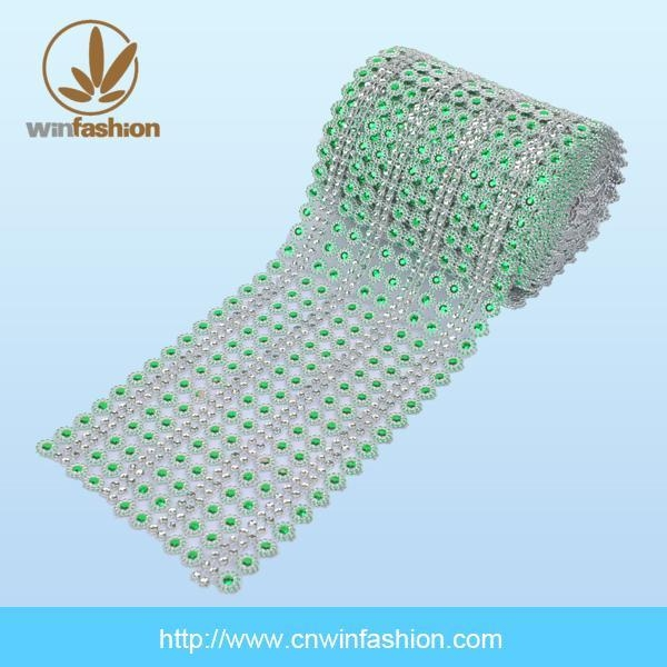 China Stone Crystal Hot Fix Aluminium Mesh Sheet