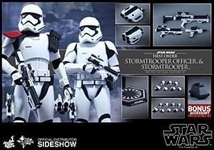 Quality Hot Toys Star Wars The Force Awakens Stormtrooper Officer/Stormtrooper 2 Pack for sale