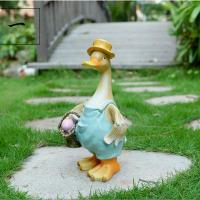 China craft and craft Resin Outdoor Cartoon Duck Statue on sale